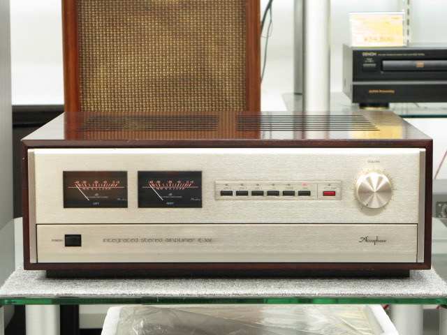 E-302 Accuphase 画像