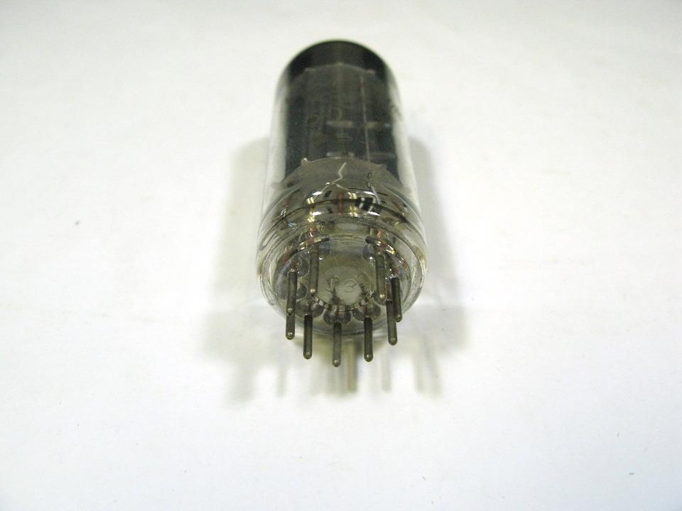 6DE7 NEC 画像