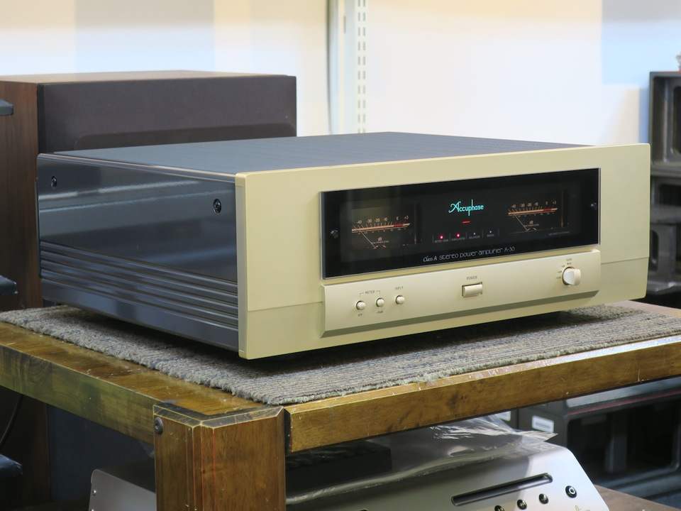 A-30 Accuphase アキュフェーズ パワーアンプ(トランジスター) 画像b