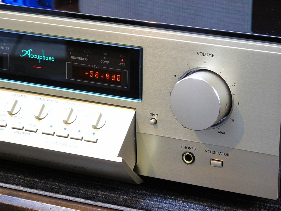 C-2820 Accuphase アキュフェーズ コントロールアンプ(トランジスター) 画像f