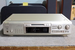MDS-JE700