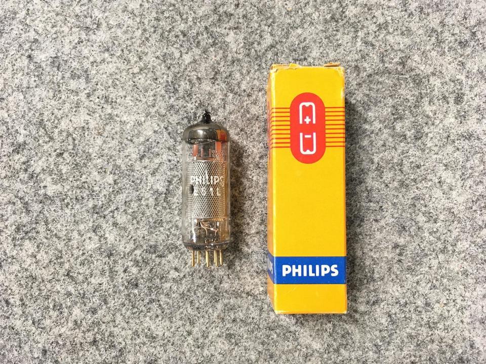 E81L PHILIPS 画像