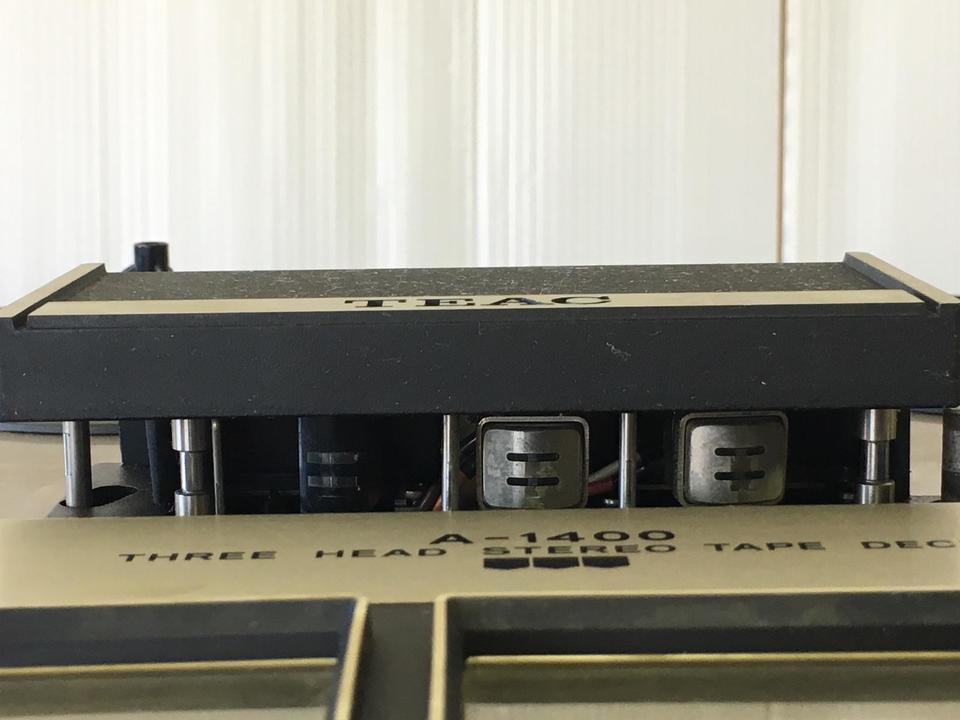 A-1400 TEAC 画像