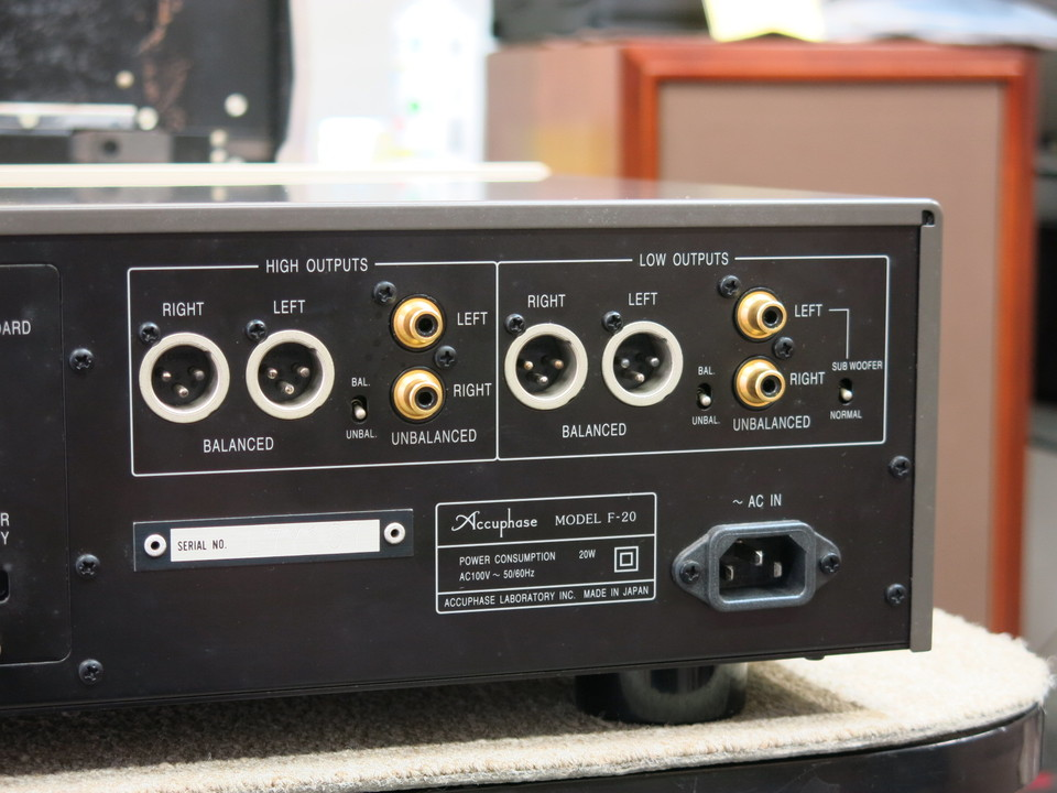 F-20 Accuphase 画像