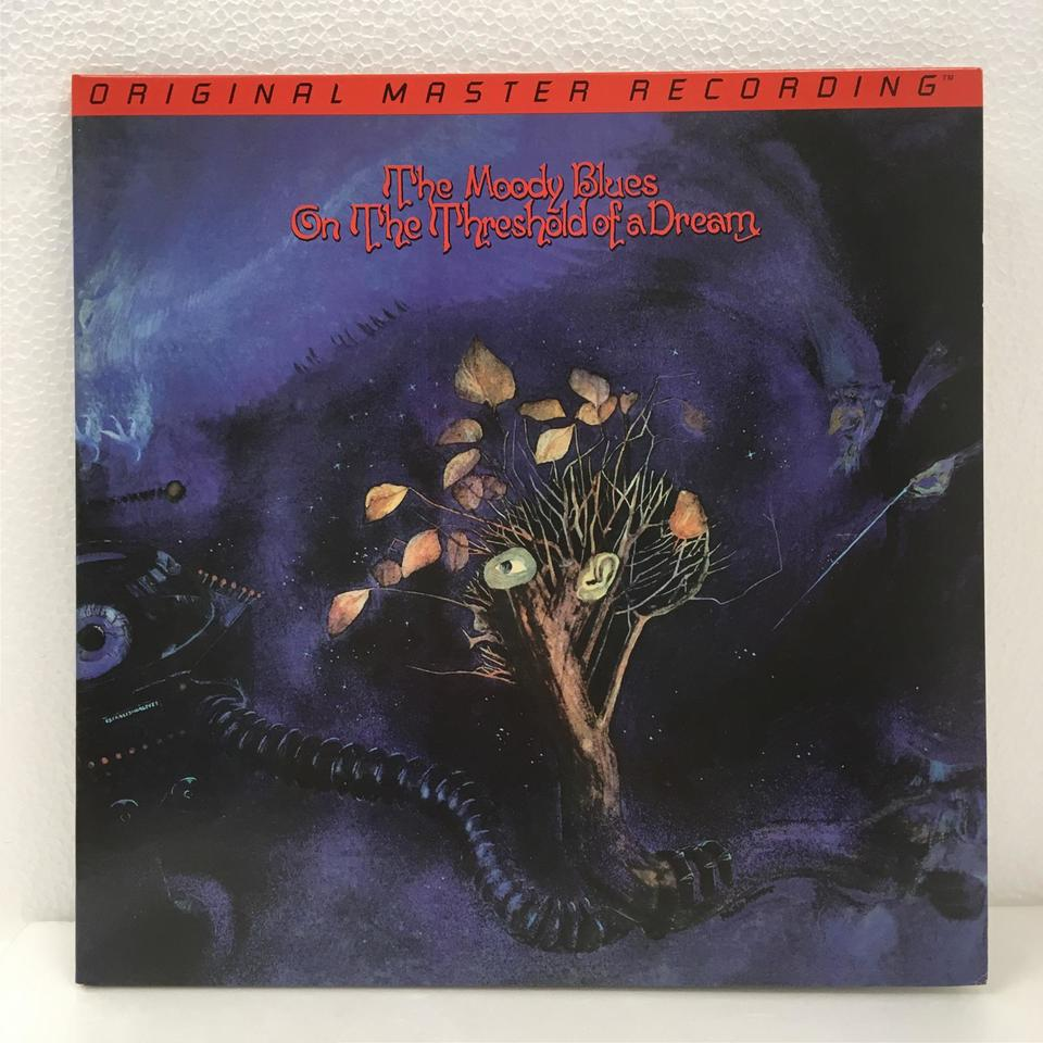 ON THE THERESHOLD OF A DREAM/THE MOODY BLUES THE MOODY BLUES 画像