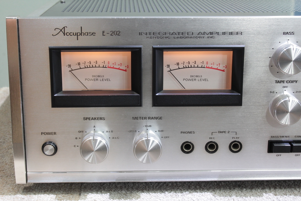 E-202 Accuphase 画像