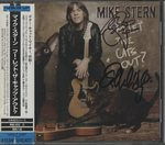 WHO LET THE CATS OUT?/MIKE STERN