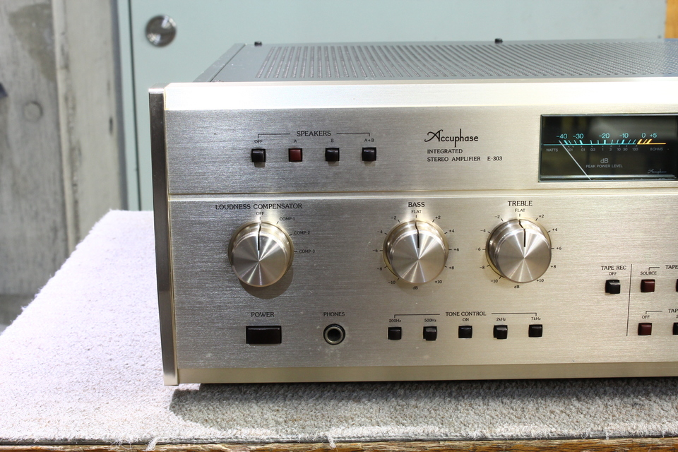E-303 Accuphase 画像
