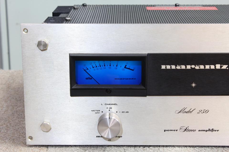 model 250 marantz 画像