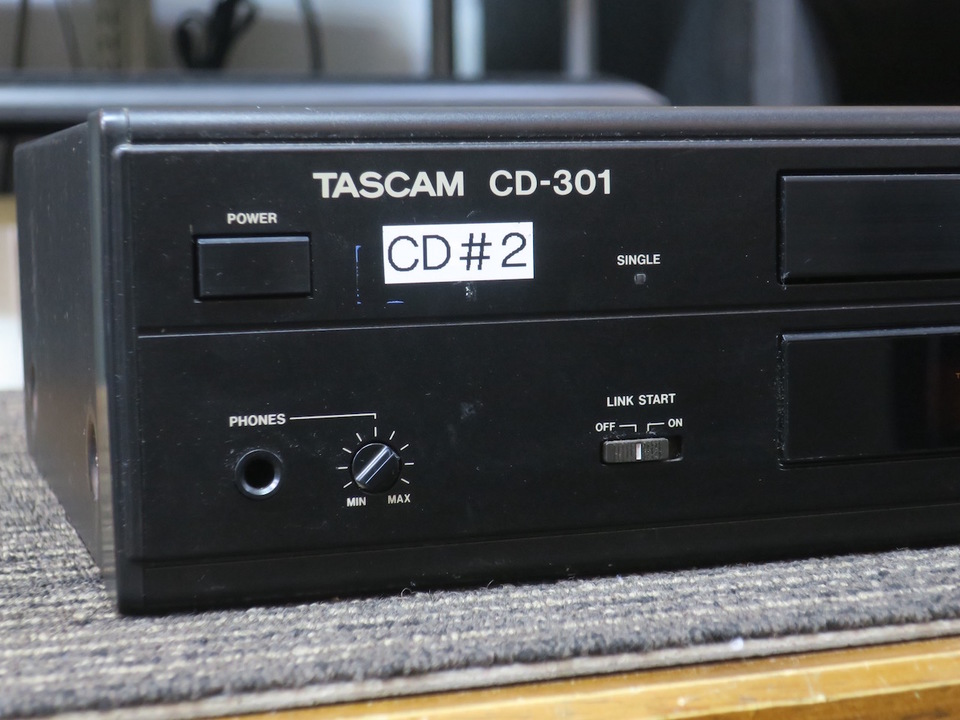 CD-301 TASCAM 画像