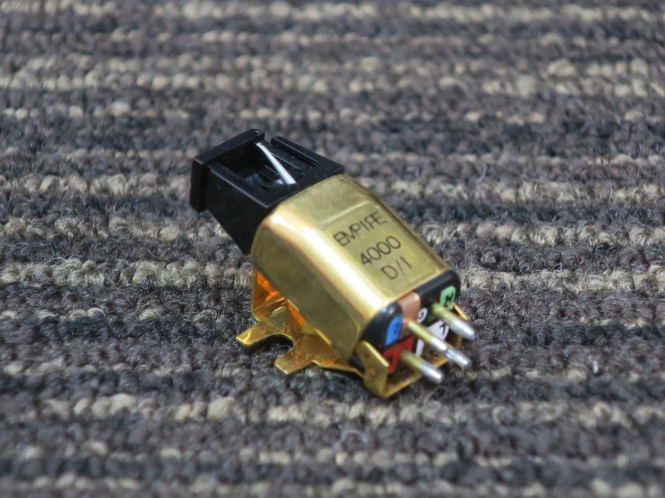 4000D/1 EMPIRE 画像