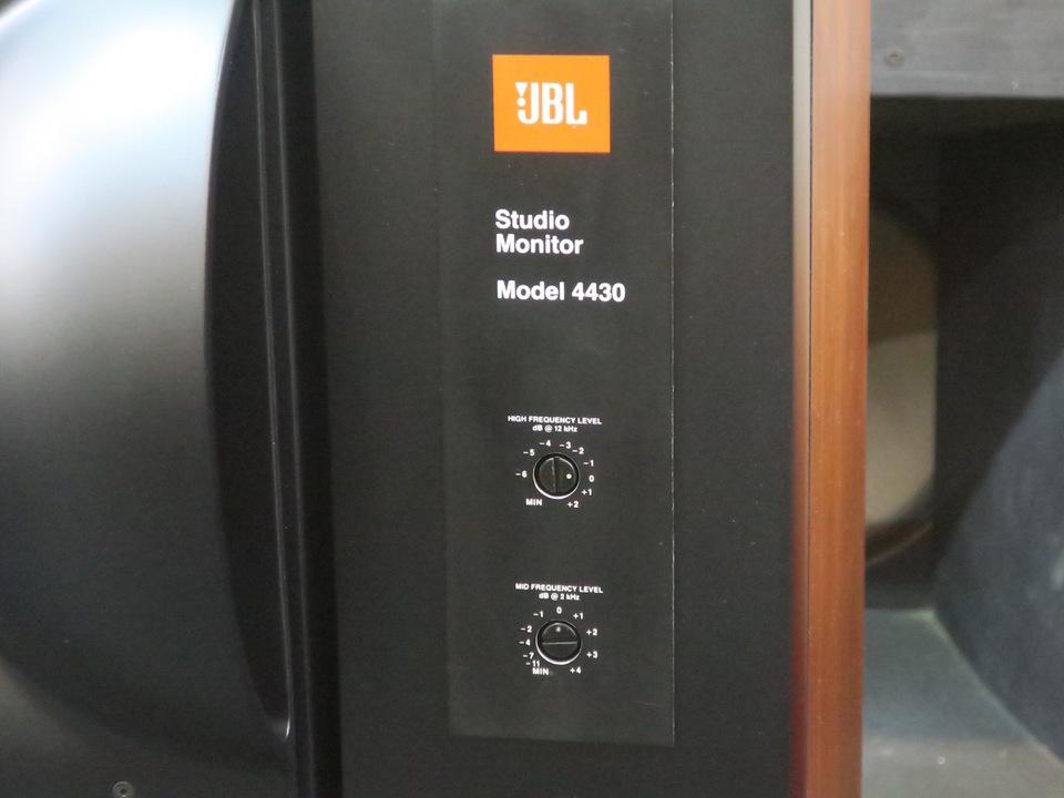 4430 JBL 画像