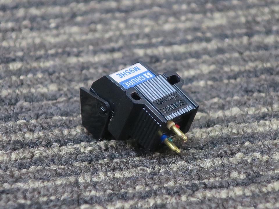 M95HE SHURE 画像