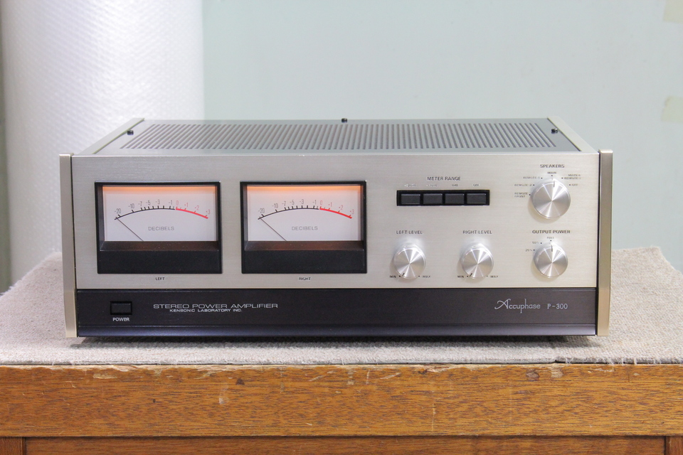 P-300 Accuphase 画像