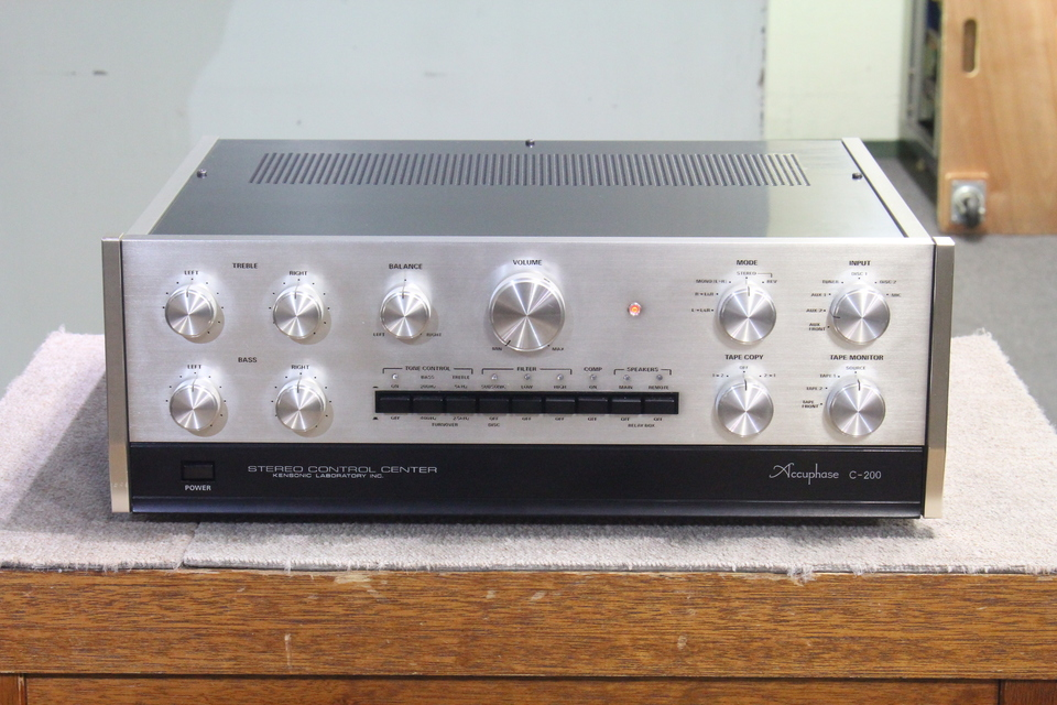 C-200 Accuphase 画像